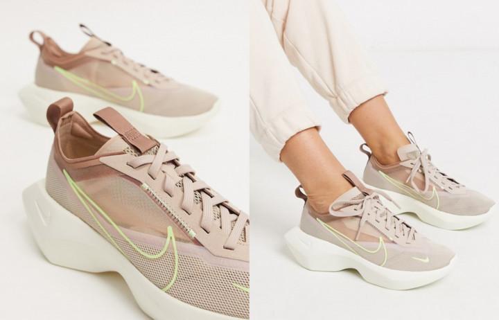 Выбор модных женских кроссовок