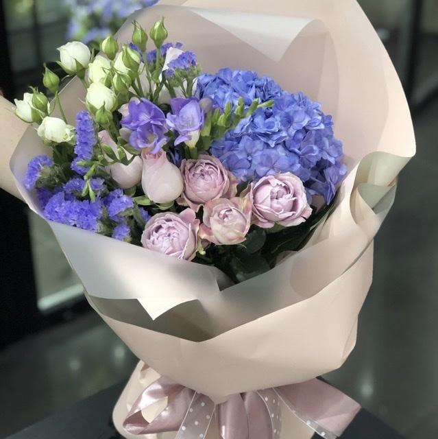 Выбираем цветы с доставкой по Харькову