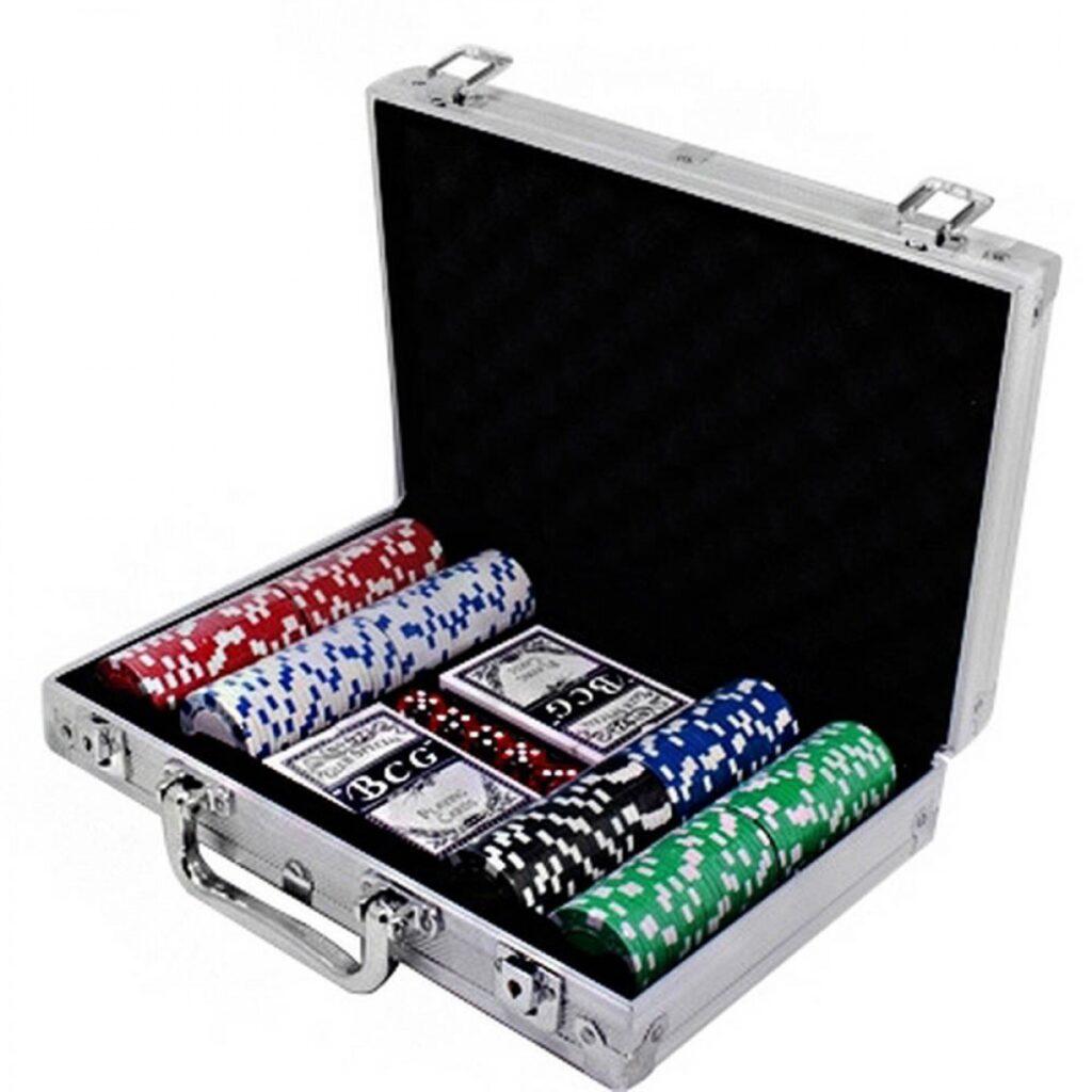 Лучшие покерные наборы для казино